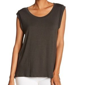 Everleigh Pleat Back Knot Top